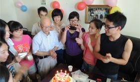 李教授生日照片