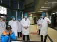 學校黨委書記尤劍鵬到我院檢查新型冠狀病毒感染的肺炎防控工作落實情況并慰問一線醫務人員