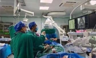 """不开刀换""""心门""""——仙葫院区心血管科·呼吸内科完成首例老年、低体重患者经导管第二代主动脉瓣置换术(TAVR)"""